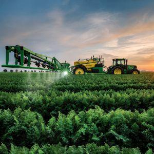 JOHN_DEERE_tractor_farm_industrial_farming_1jdeere_construction_3000x2291.jpg